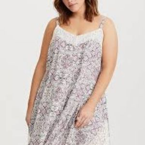 NWT Torrid size 1 ivory floral lace inset challis
